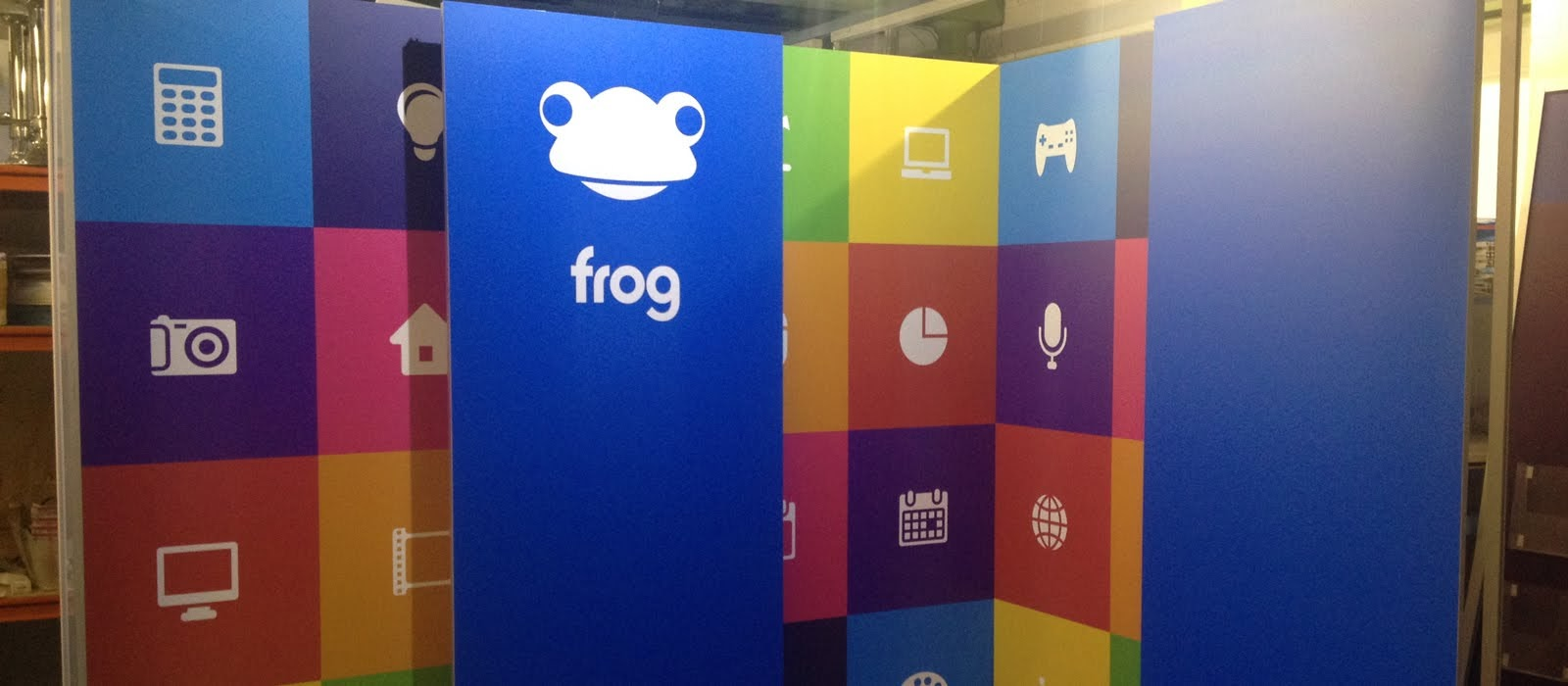 Frog Modular Exhibition Stand by Oaks Exhibitions
