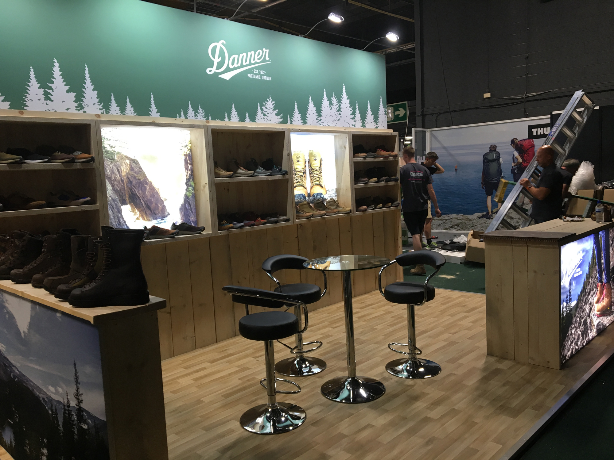 Exhibition Stand Lighting Uk : The importance of good lighting on an exhibition stand oaks